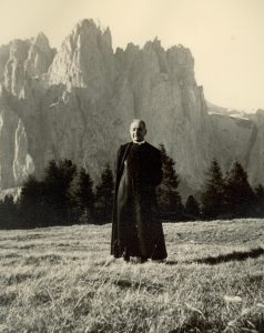 Monsignore Antonio Mariotti